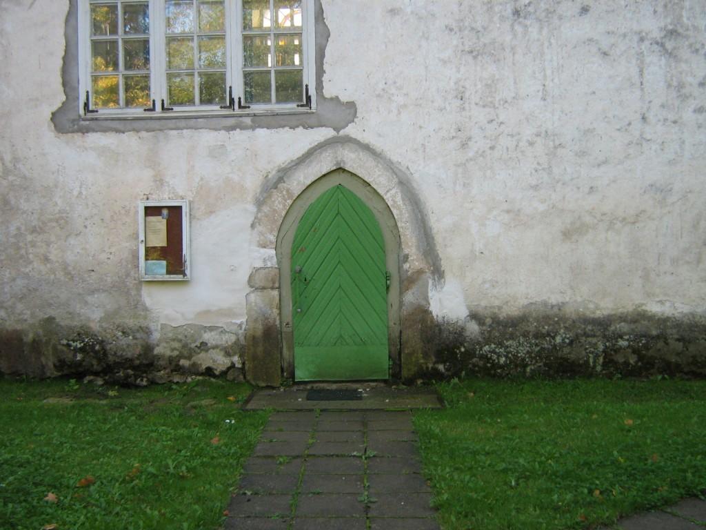 Lääne-Nigula kiriku põhjaportaal 19.09.2009 Kalli Pets