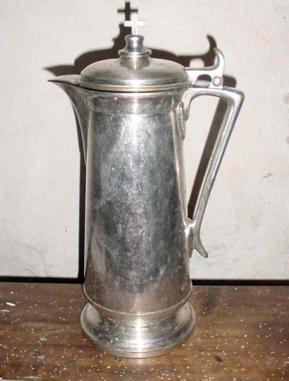 Veinikann. Umb. 1905 (messing, trugitud, hõbetatud, seest kullatud). Foto: S.Simson, 2008