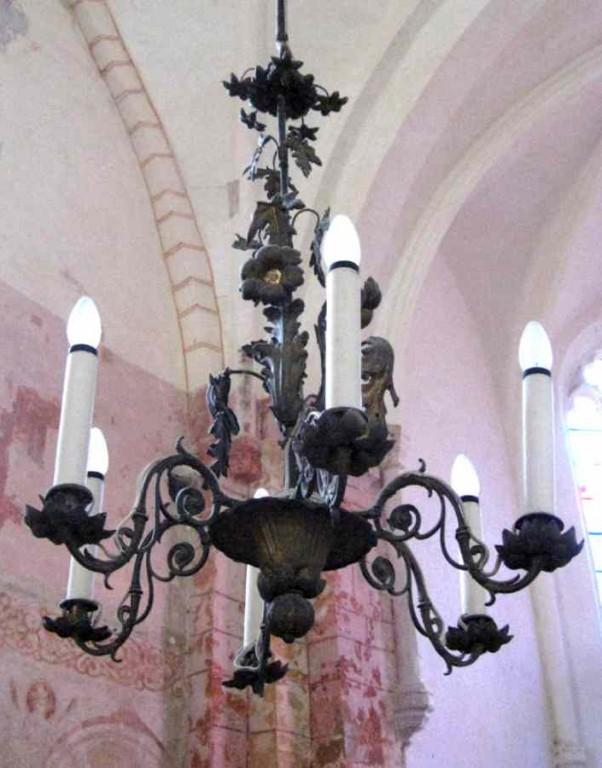 Kroonlühter kuue tulega. 19. saj., eklektika (pronks, messing, valatud) Foto: S.Simson, 2008