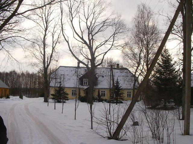 Vaade mõisale maanteelt    Autor Tarvi Sits    Kuupäev  18.03.2005