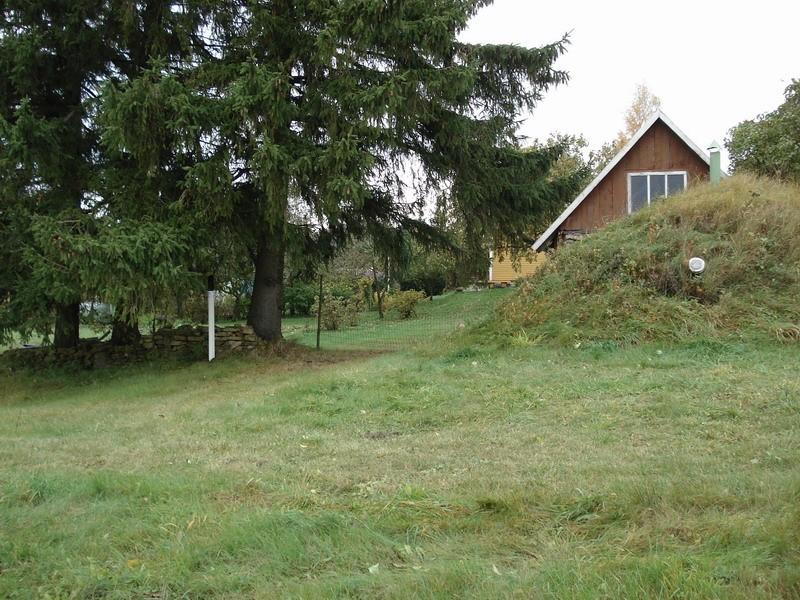 Vaade maa-alusele kalmistule kagust. Foto: Karin Vimberg, 16.10.2009.