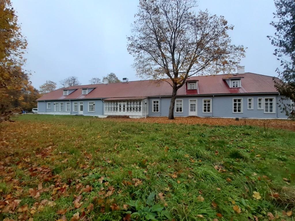 """Kalevivabriku """"Pikk maja"""",  vaade läänes Autor K.Koit Kuupäev  16.10.2019"""