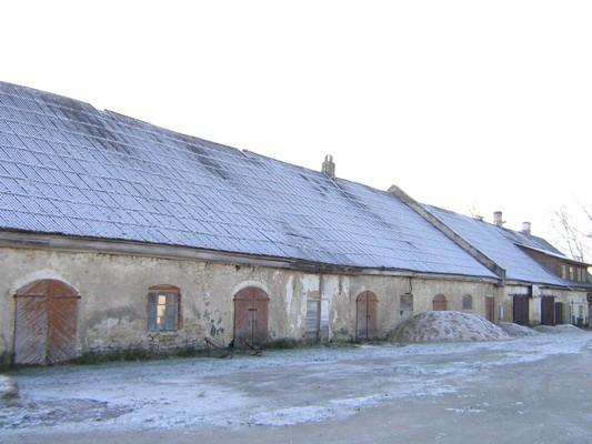 Porkuni mõisa tööhobuste tall. 15866 vaade  põhjast , näha osa loodefassaadist  pilt: Anne Kaldam aeg: 03.11.2009