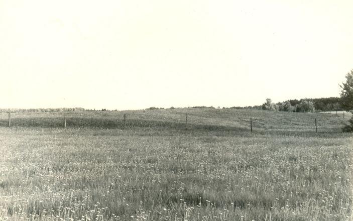 Maa-alune kalmistu põhjast. Foto: H. Joonuks, 1976.