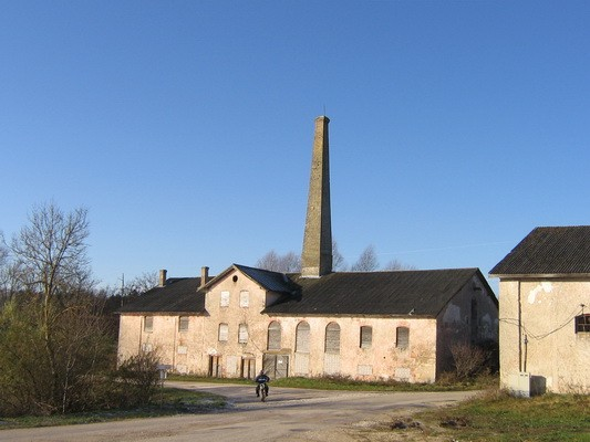 Porkuni mõisa viinavabrik15858 ja viinakelder 15859, vaade idast, pilt: Anne Kaldam aeg: 03.11.2009