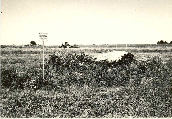 Lohukivi idast. Foto: H. Joonuks, 1979.