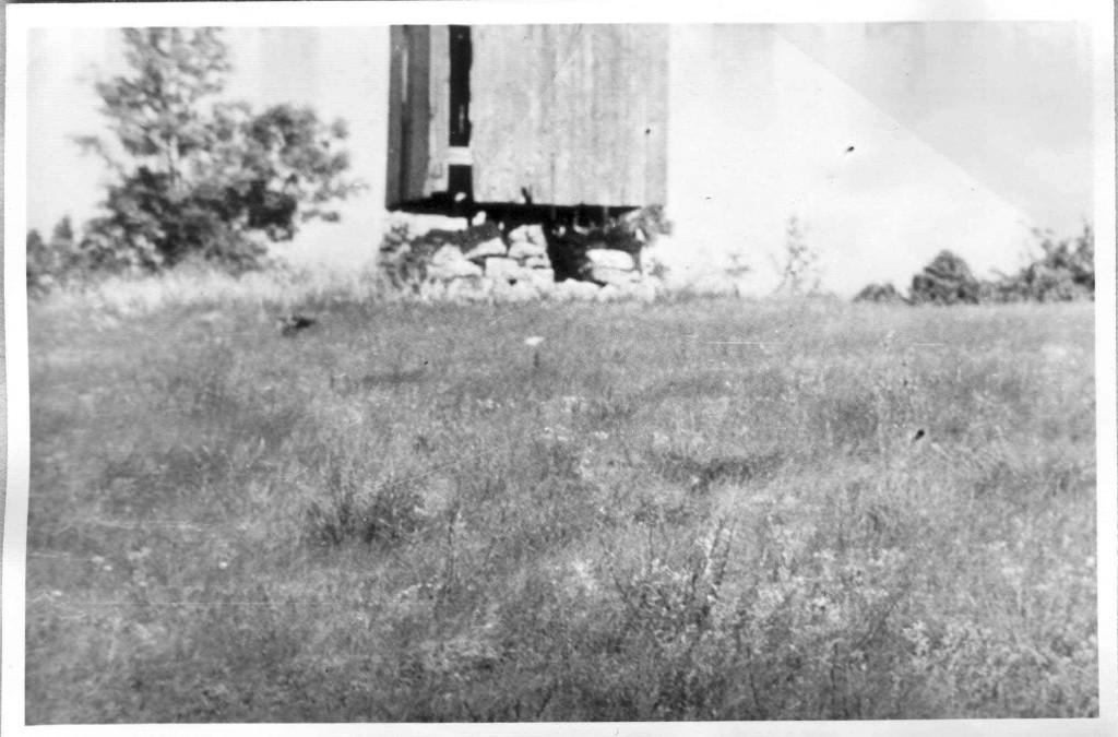 Kivikalme. Foto: autor teadmata, ca 1965.