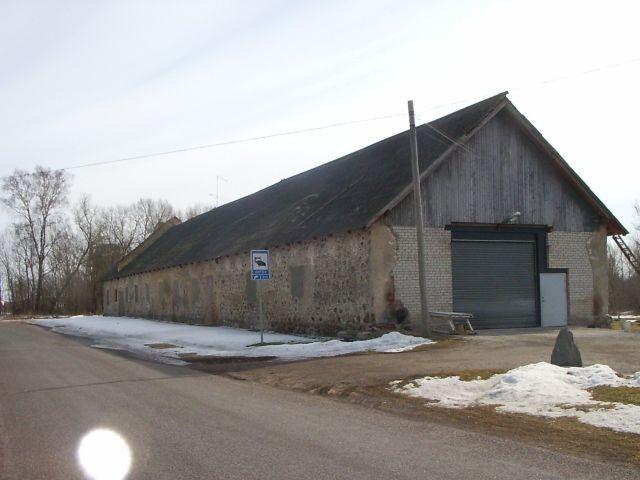 Maantee poolne külg    Autor Tarvi Sits    Kuupäev  30.03.2005
