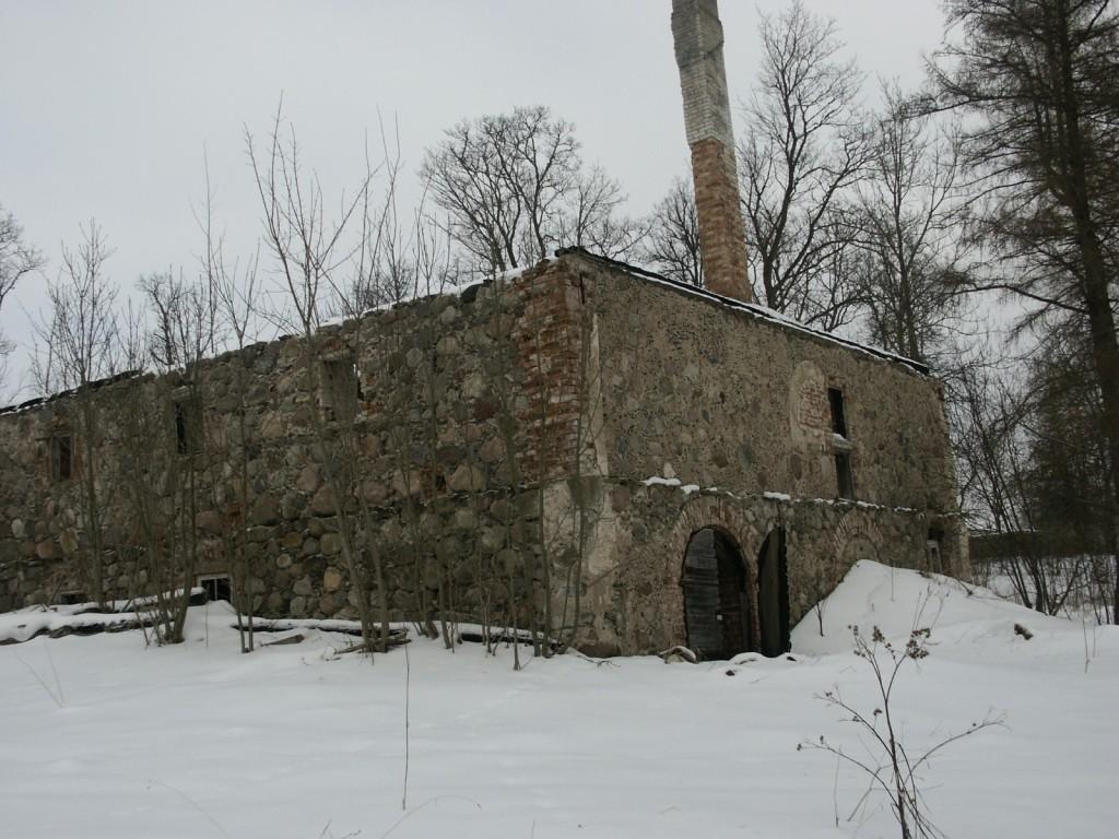 Aakre mõisa aida vare 2    Autor Eduard Rajari    Kuupäev  21.02.2005