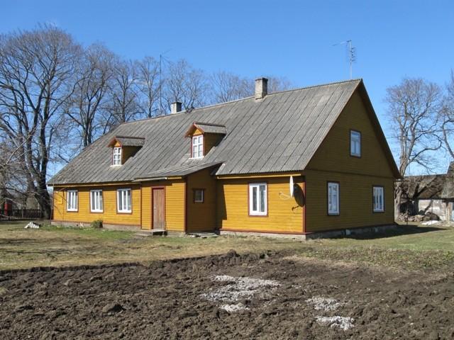 Toila külakooli hoone. Tõnis Taavet. 15.04.2010.