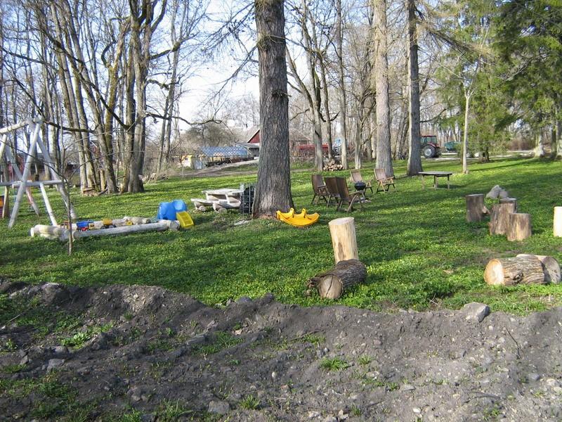 Peahoone esine ala, mänguplats Kalli Pets 27.04.2010