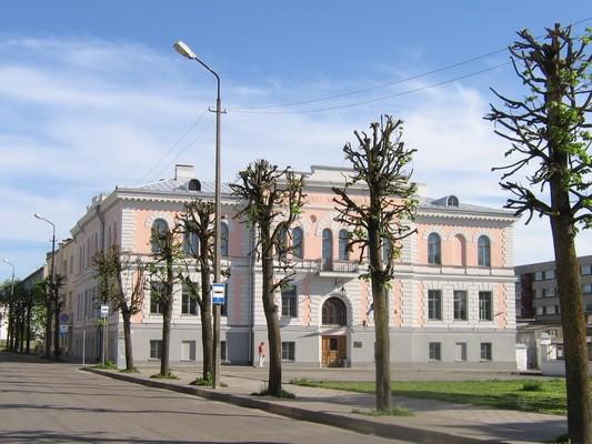 Rakvere uus kohtuhoone,15734, vaade laialt tänaavalt -põhjast,   aeg: 19.05.2010 autor: Anne Kaldam