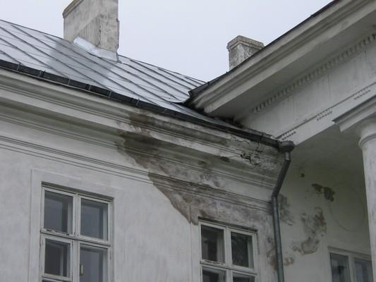 Aaspere mõisa peahoone, reg. nr. 15626: katusedetail  läänefassaadil  aeg: 02.06.2010 autor: Anne Kaldam
