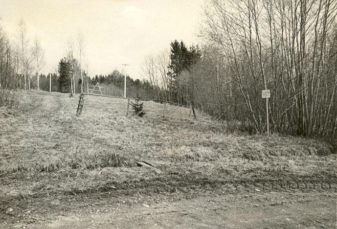 Maa-alune kalmistu. Foto: O. Kõll, 29.04.1980.