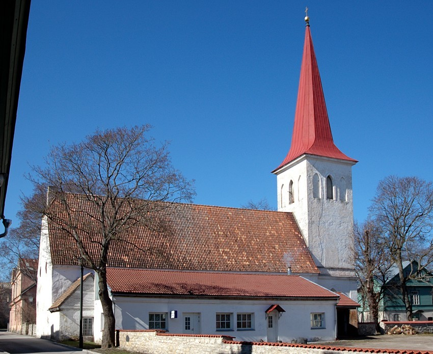 Haapsalu Jaani kirik, vaade idast    Autor Tõnis Padu    Kuupäev  15.04.2005