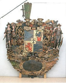 B. v. Taube vappepitaaf. Chr. Ackermann (?), umb. 1696 (puit, polükroomia). Foto: Toomkiriku vapitöökoda 2001