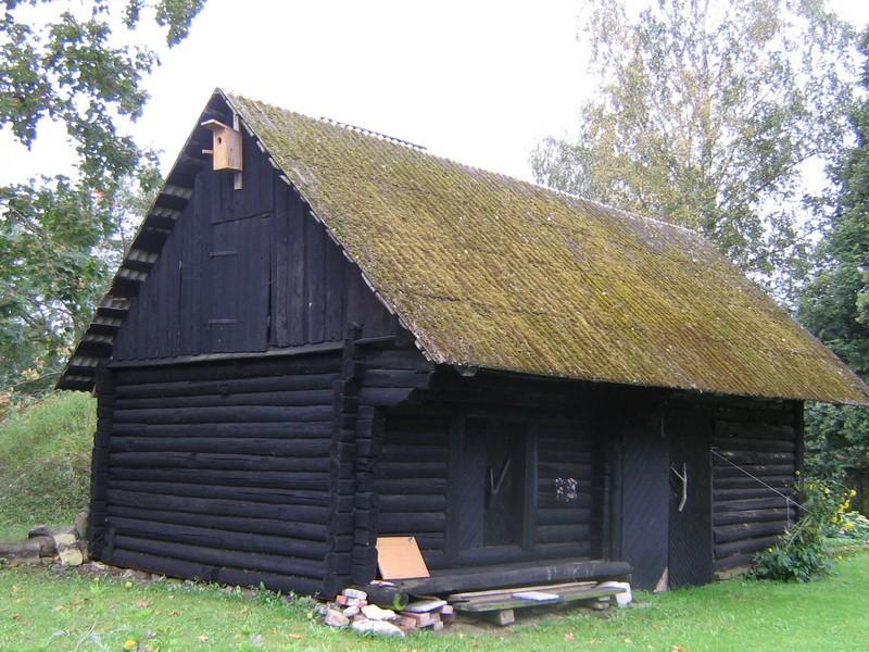 Lillebergi talu ait : 15652 vaade põhjast keldri poolt  Autor Anne Kaldam  Kuupäev:12.09.2010