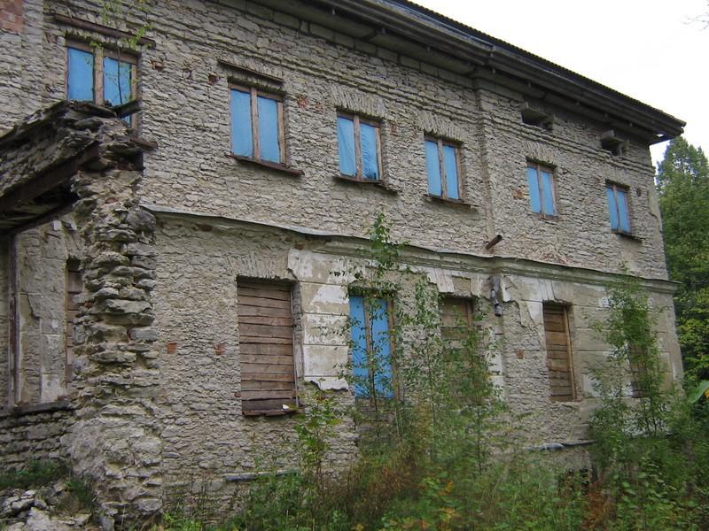 Saksi mõisa peahoone reg. nr 15793.vaade idast peasfassaadi põhjapoolsele osale  Foto: Anne Kaldam aeg:  15.09.2010