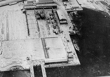Noblessneri laevatehase elling , 1914-1915 (2 tugiraami 6 rööbasteega, liikuv sild, slipp alusraamiga, slipi muulid, masinaruum ajami ja ülekandemehha (arhiivifoto)