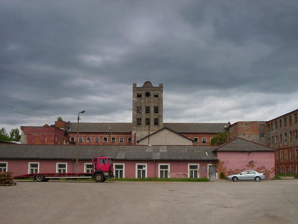 Vabrikuhoone enne põlengut  Autor Tarvi Sits
