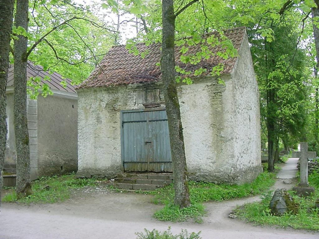 Kudjape kalmistu Schmidti kabel. Foto Jaan Vali 31.05.2001