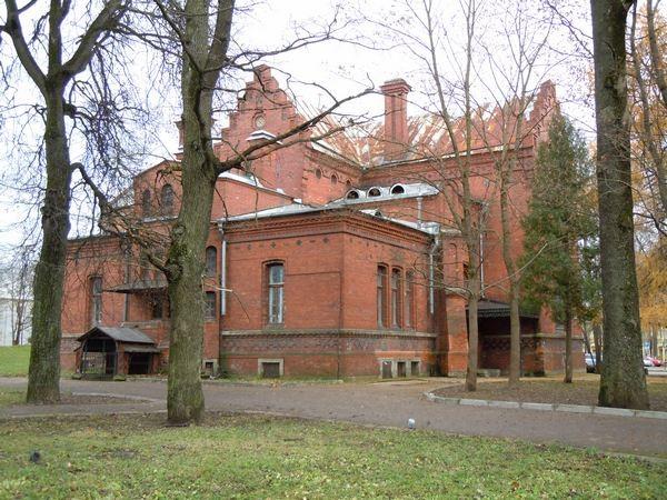 Kreenholmi direktori Karri elamu - vaade edelast. Foto: Madis Tuuder 12.11.2010