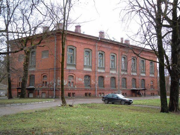 Kreenholmi juhtkonna hoone - põhjast. Foto: Madis Tuuder 12.11.2010