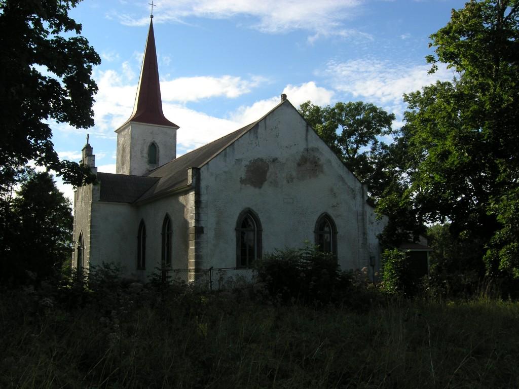 Jämaja kirik. Foto: Mari Loit. Kuupäev  08.08.2005