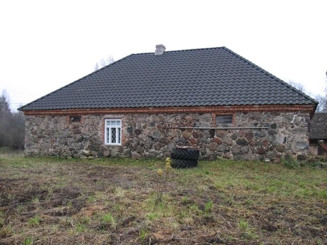 Linnamäe mõisa ait, 19 saj. Foto Tõnis Taavet, 04.11.2010.