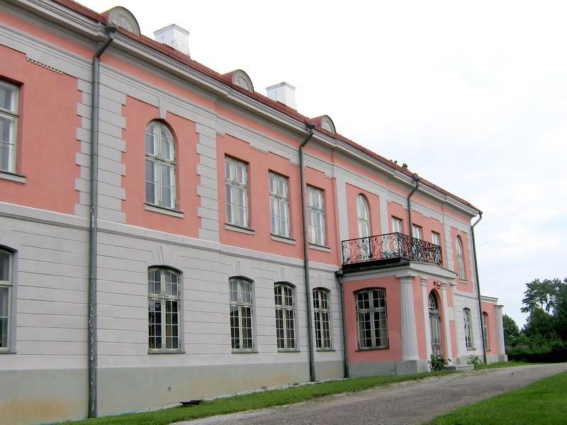 Rägavere mõisa peahoone 15804, vaade sissesõiduteelt ehk läänest peafassaadile  autor: Anne Kaldam  aeg :  21.08. 2008.