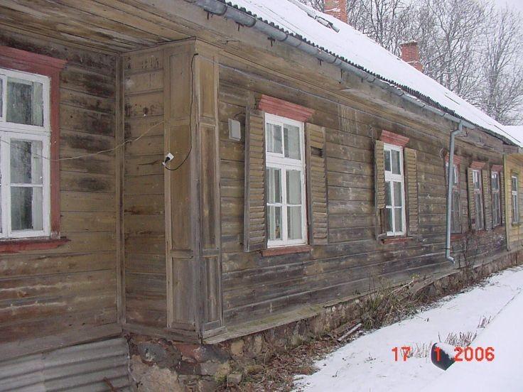 Vana-Kirepi mõisa peahoone-vasak tiib-räästaalune nurgatahveldisega  Mart Siilivask  17.01.2006