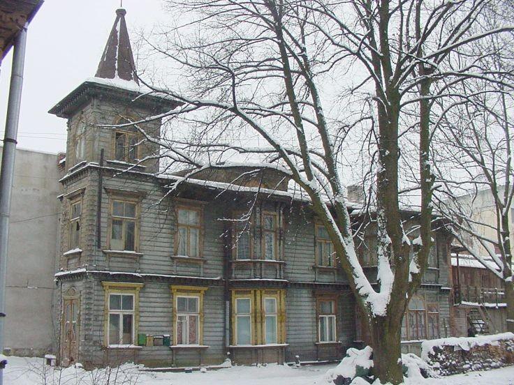 Vaade Kastani 23 elamule hoovilt  Autor Mart Siilivask  Kuupäev  15.01.2005