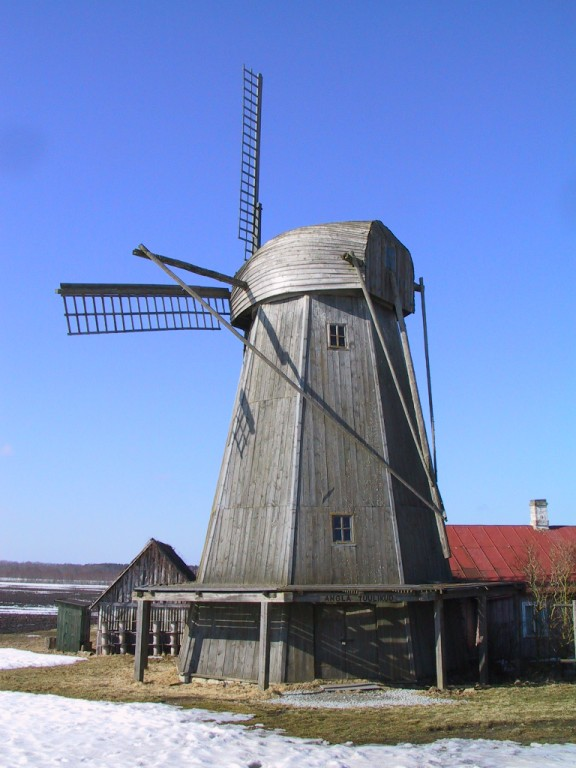 Tuuliku vaade enne restaureerimistöid. Foto: Tönu Sepp, 2006