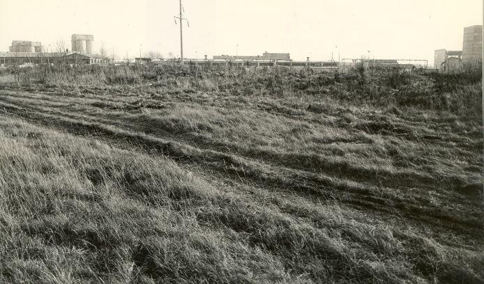 Kivikalme - läänest. Foto: E. Väljal, 27.10.1986.