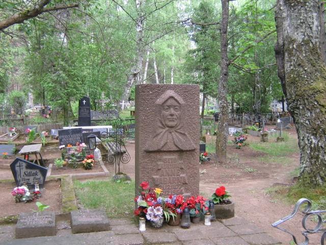 Anne Vabarna haud Värska kalmistul. Viktor Lõhmus 09.06.2009