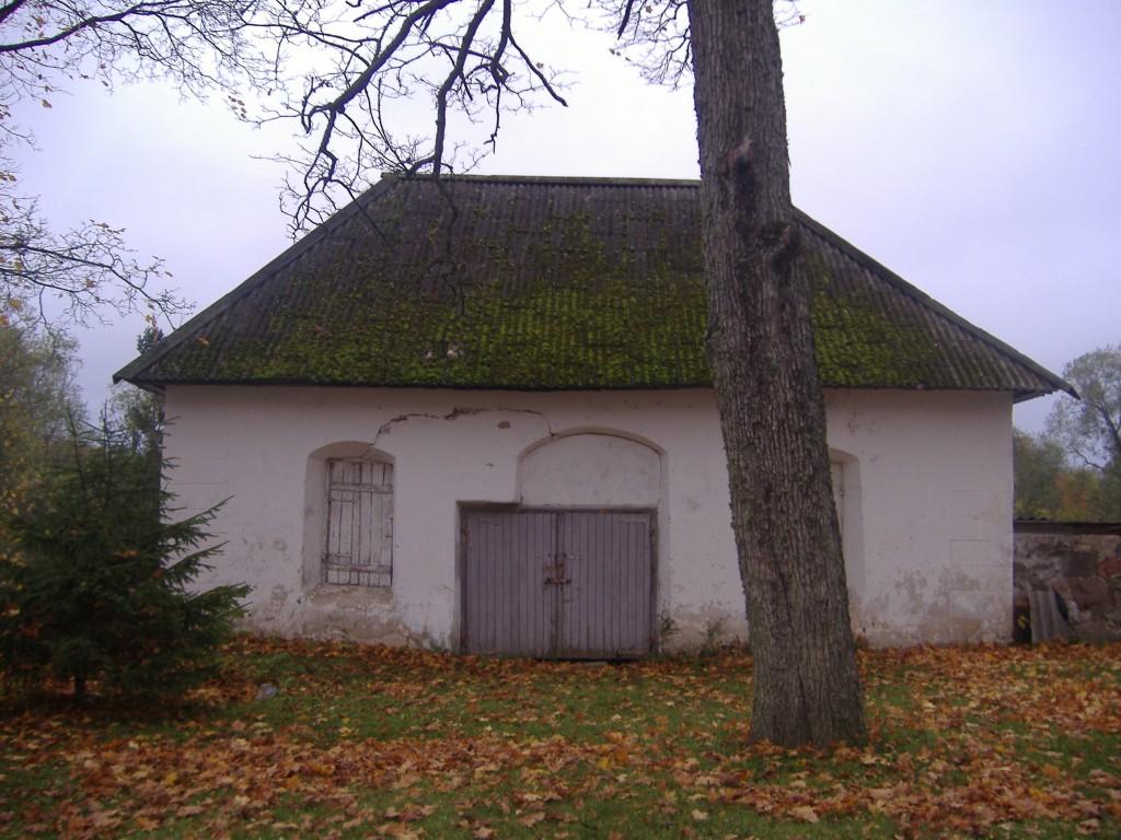 Vaade Kose kirikuaia kabelile. Foto: Ly Renter 2006