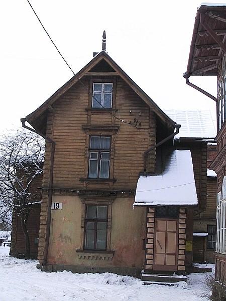 Kastani 19 vaade tänavalt Foto 12.11.2002
