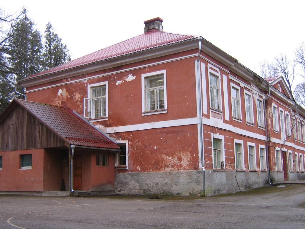 Salla mõisa peahoone 15716, vaade idast  Autor Anne Kaldam  Kuupäev  21.04.2006