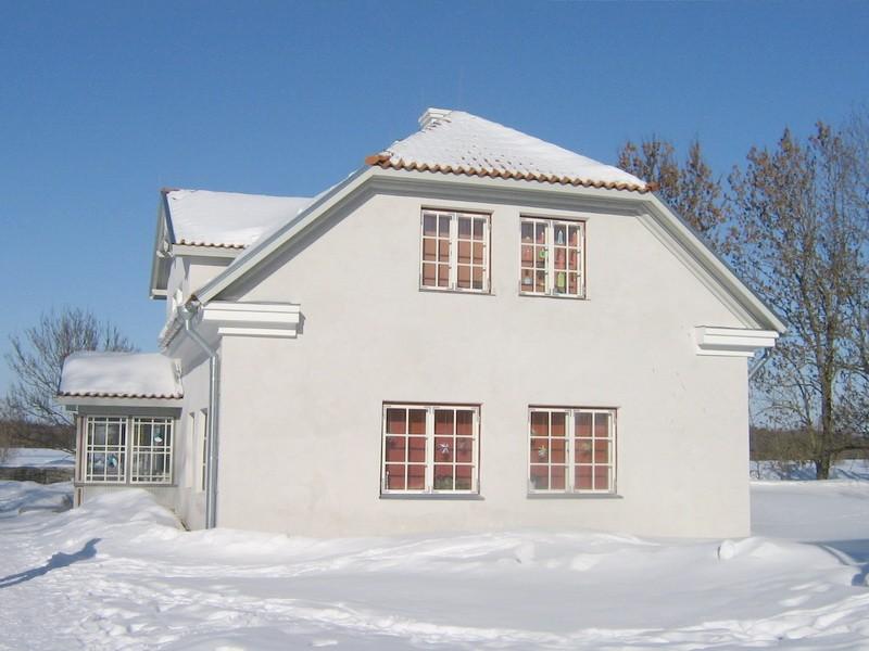 Vasta mõisa koertemaja nr.16047 vaade lõunast  Autor Anne Kaldam  Kuupäev  28.02.2011