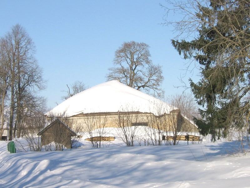 Pada mõisa tall-tõllakuur :vaade lõunast   Autor Anne Kaldam  Kuupäev  28.02.2011