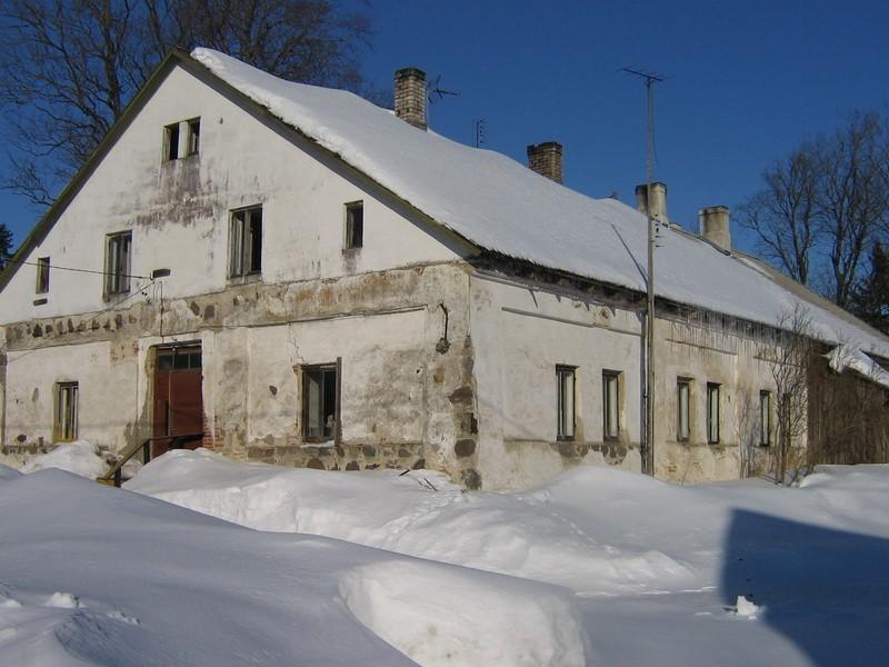 Pada mõisa valitsejamaja reg. nr. 16036. vaade läänefassaadile  Autor Anne Kaldam  Kuupäev  28.02.2011