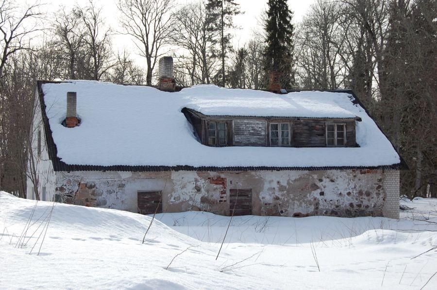 Õisu mõisa pesuköögi esikülg 17.03.2011 Tiia Kallas