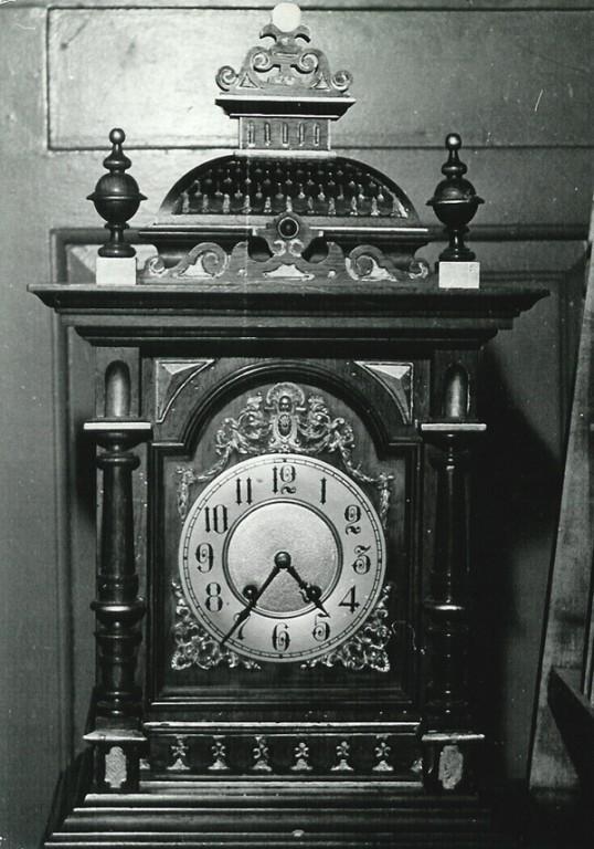 Lauakell. 19. saj. (puit, pronks, metall, klaasuks) Paul Sorokini foto, 1977
