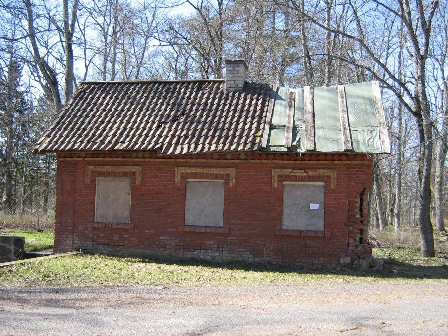 Polli mõisa koertemaja Foto Anne Kivi 26.04.2011