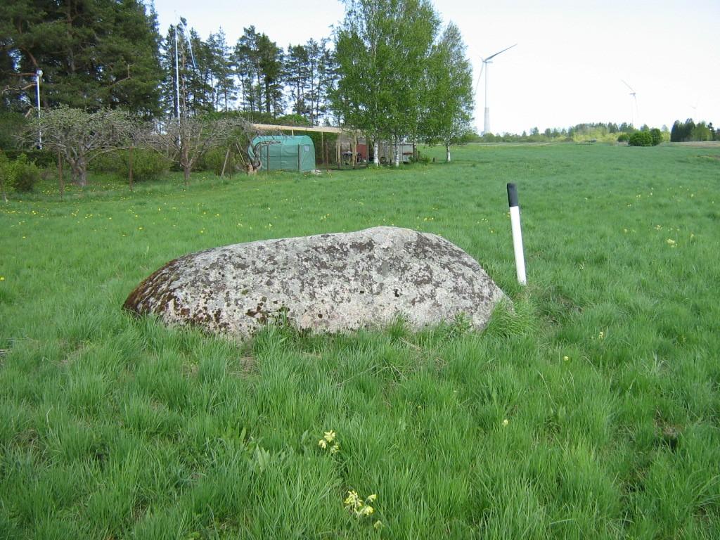 Lohukivi reg nr 10809. Foto: Ingmar Noorlaid, 20.05.2011.