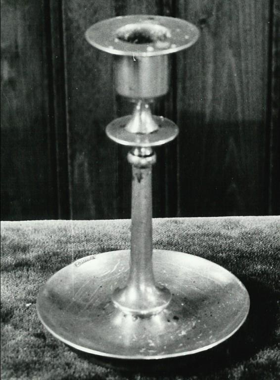 Küünlajalg. 19. saj. (messing, treitud) Foto: Paul Sorokin,1977