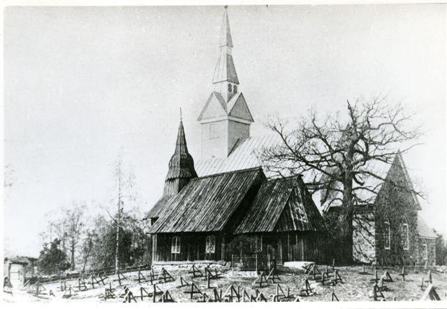Vaade Ruhnu kirikutele ja kirikuaiale 1938. Foto O. Esna kogust.