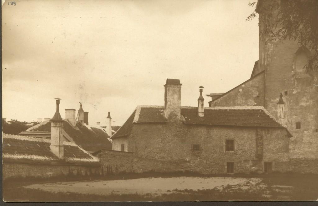 Toom Kooli 21 Piiskopi aia poolt 1930. aastatel. Foto Linnaarhiiivi fotokogust