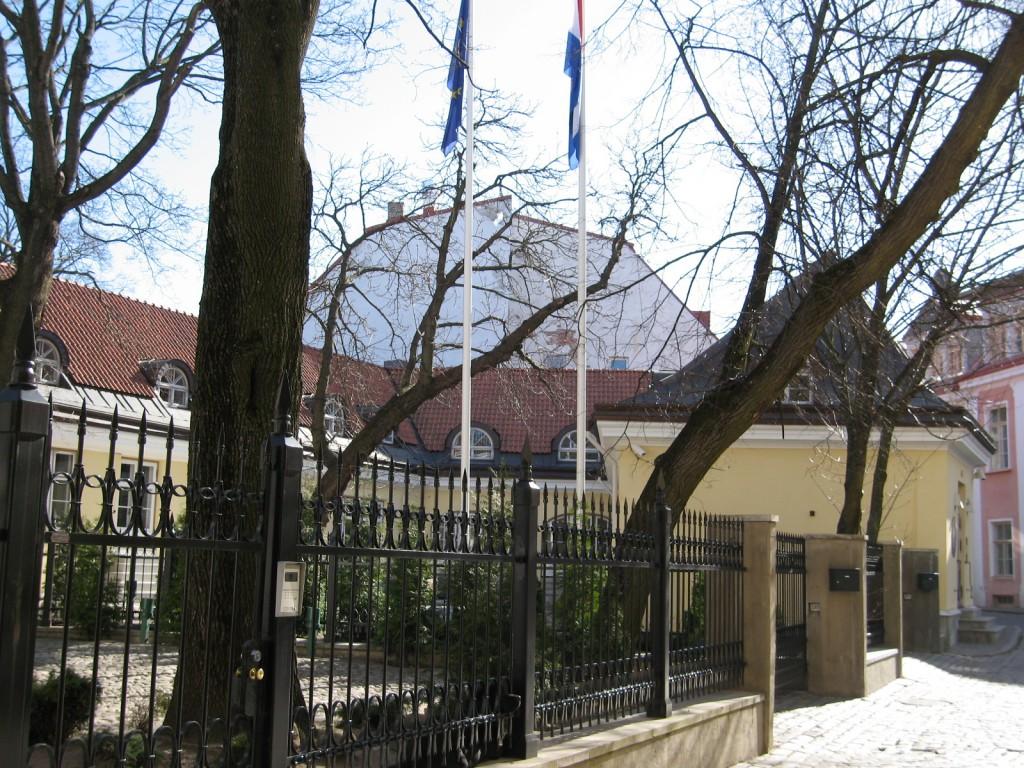Hoov Rahukohtu tänavalt. Foto 04.2007