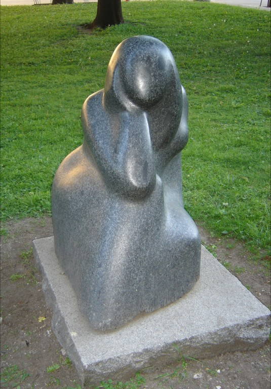 "Skulptuur ""Meremehe pruut"". E. Haggi, 1982 (graniit) Foto: Sirje Simson 12.06.2006"